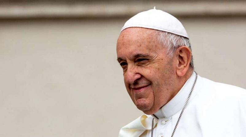 El papa francisco invita a rodearse de aquellos que en su pobreza, recuerdan a Dios.