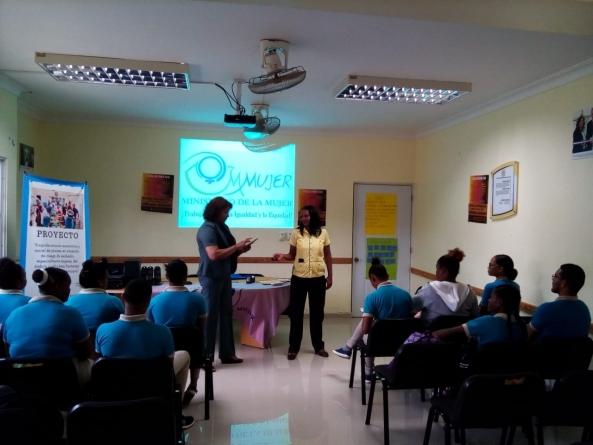 Ofrecen charla a estudiantes sobre Violencia de género, bajo el lema «Trabajando la igualdad y equidad»