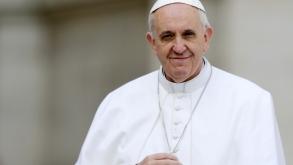 Ángelus del Papa: «Jesús enseña a vivir en la lógica de Dios, hacerse cargo del otro»