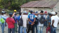 Los Obreros de la mina de sal del Municipio de Las Salinas,claman por trabajo.