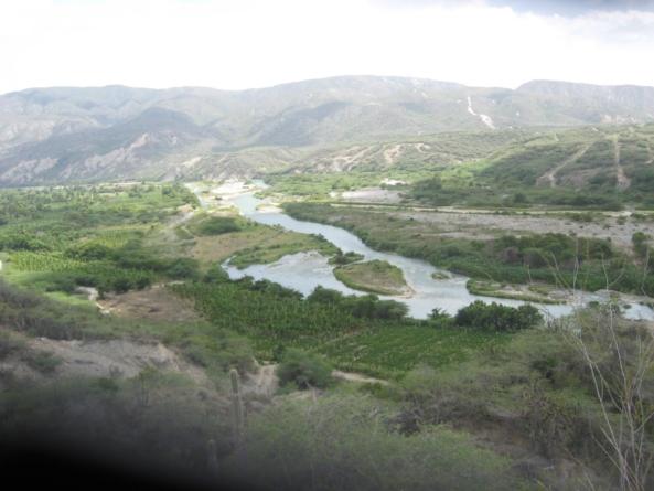 """Familias que cedieron sus predios agrícolas para dar paso a la construcción de la presa """"Monte Grande"""" viven en una espantosa miseria."""