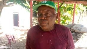 Residentes y trabajadores del campo piden a las autoridades de Obras Públicas ir en auxilio de ellos.