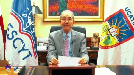UCATEBA gradúa a 643 nuevos profesionales con la presencia del Ministro del MESCYT.