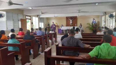 Radio Enriquillo y Obispado de Barahona realizan retiro cuaresmal.