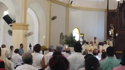 Fue celebrada la misa en acción de gracias por el 45 Aniversario de la Diócesis de Barahona y el 6to año de consagración episcopal de Mons. Andrés.