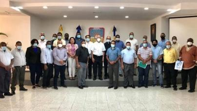 Sacerdotes de la Diócesis de Barahona recibieron taller sobre manejo efectivo de la comunicación institucional.
