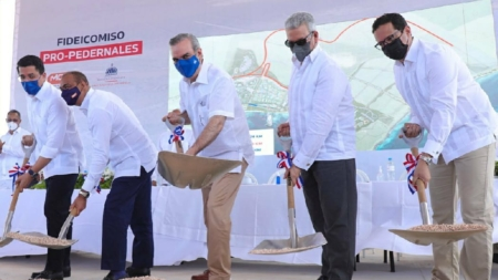 Gobierno inicia construcción para el desarrollo turístico de Pedernales; solicitó a UCATEBA preparar personal de la Región para garantizar empleos de calidad