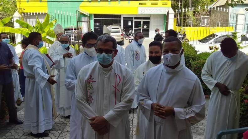 Posesión de los Nuevos Párrocos en Neyba y Galván